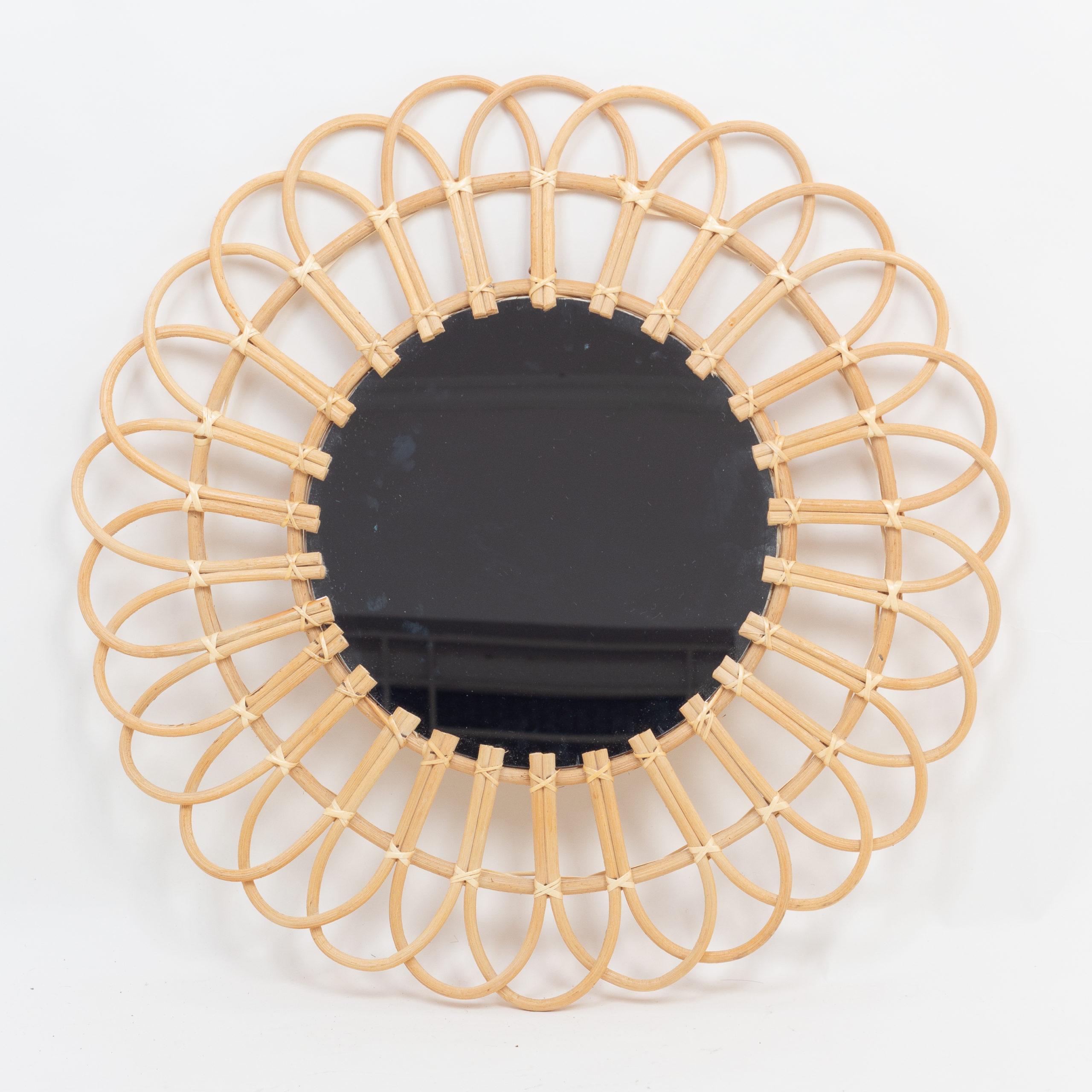 Round rattan decorative mirrors decor wall from Vietnam manufacturer