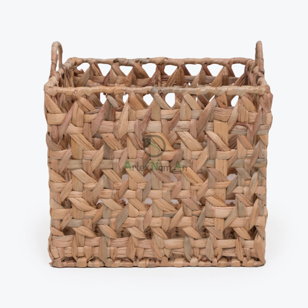 Sustainable, Round Storage & laundry baskets made of Water Hyacinth